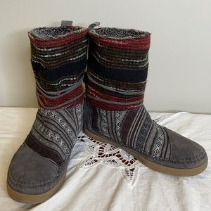 Toms grey Nepal suede faux fur lined booties 7.5